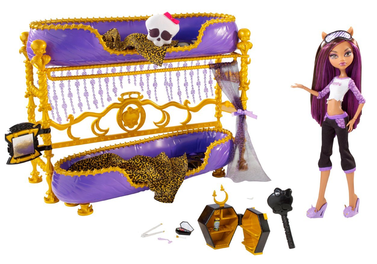 Dead Tired Clawdeen and Bed Set Dollation